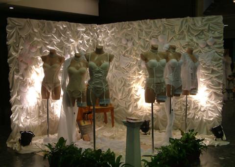 Figura Dekor kirakati baba az Esküvői Kiállításon